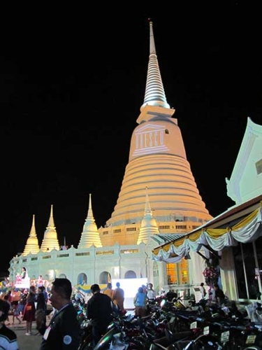 Go-Black-night-tour-with-Go-Bangkok-tours-2
